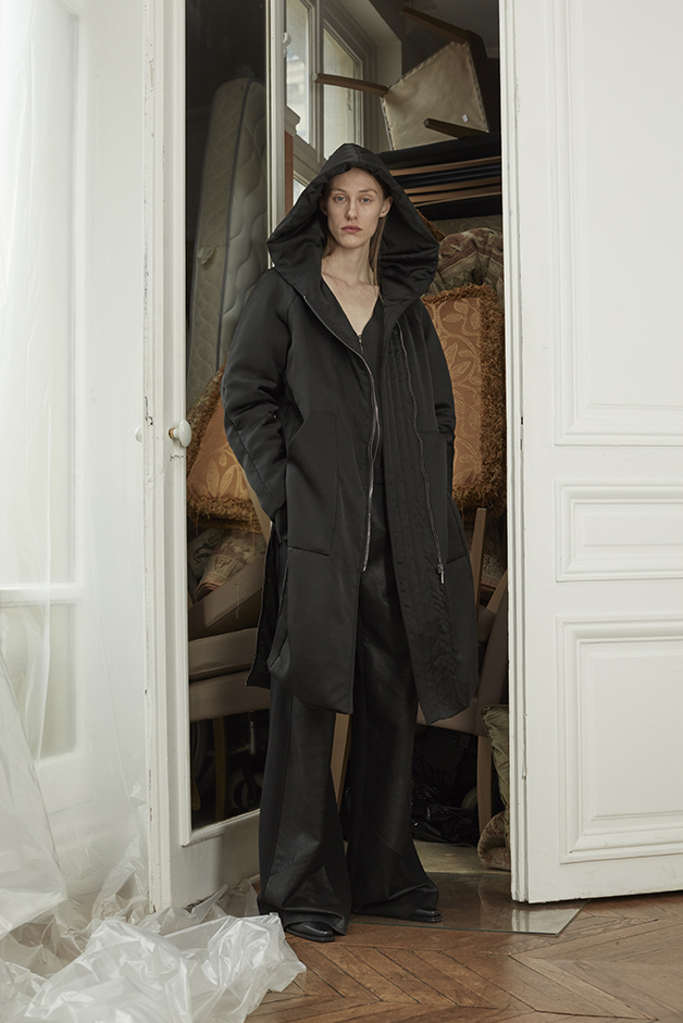 LONG BOMBER JACKET - BLOUSE - LEATHER PANTS - ILARIA NISTRI FALL WINTER 2018 COLLECTION