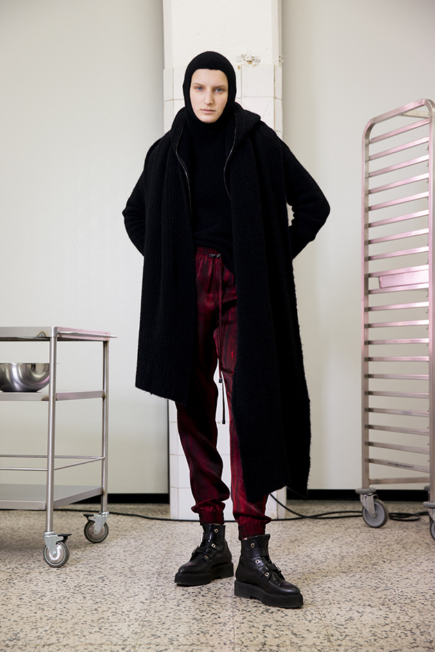 scarf - cardigan - sweater - pants - ilaria nistri roque fall winter 2019 collection
