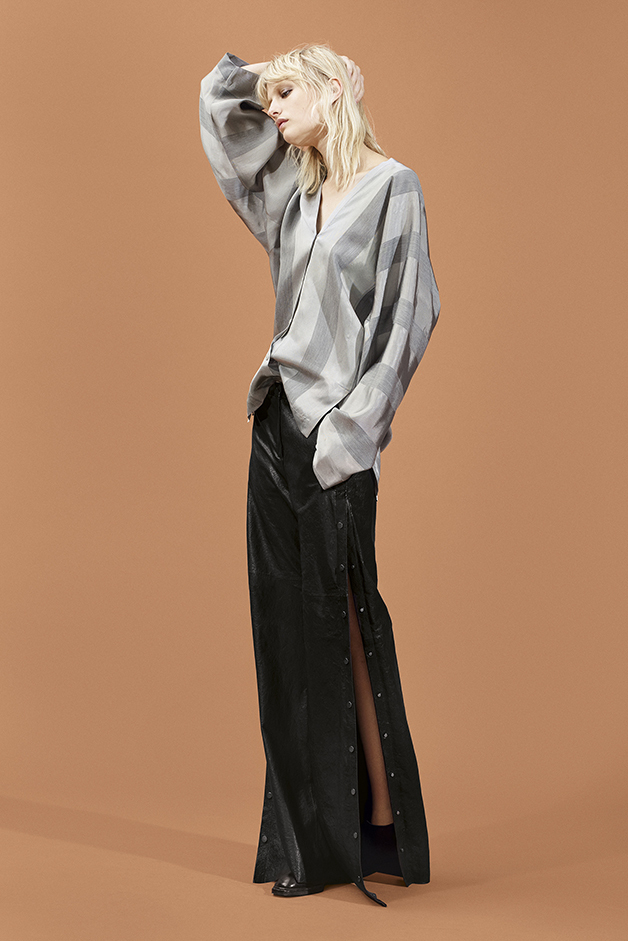 BLOUSE - LEATHER PANTS