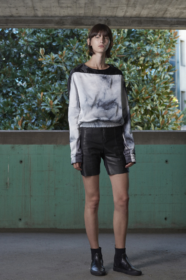 TIE-DYE SWEATER - LEATHER SHORTS - COLLECTION ILARIA NISTRI SPRING SUMMER 2018