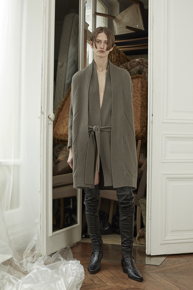 LONG CARDIGAN - LONG VEST - GAITERS - ILARIA NISTRI FALL WINTER 2018 COLLECTION
