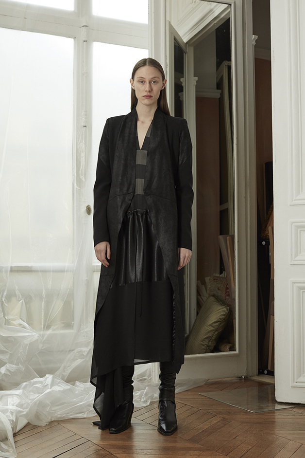 COAT - DRESS - GAITERS - ILARIA NISTRI FALL WINTER 2018 COLLECTION